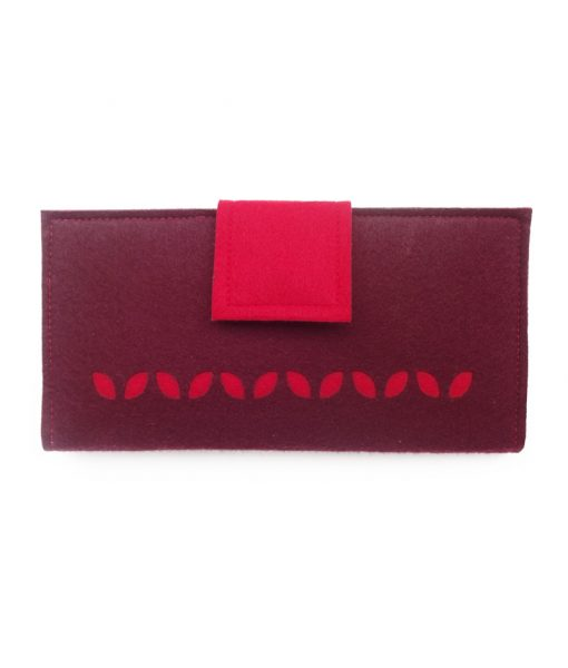 row-of-red-wallet-front-800