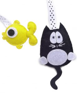 cat-and-fish-hanging-bookmark-800