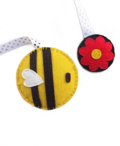 bumblebee_hanging_bookmark
