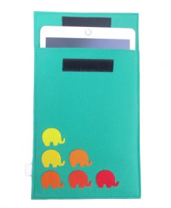 elephant_ipad_sleeve_use